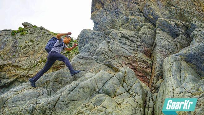 岩壁上的舞蹈 — 蒙特罗脉冲机能巡逻鞋体验