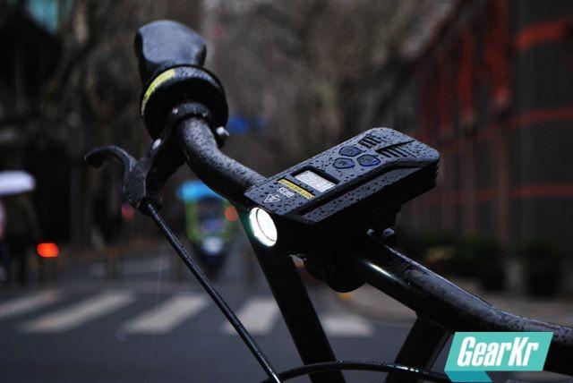 奈特科尔BR35远近双光源可充电自行车灯,城市骑行共享单车体验