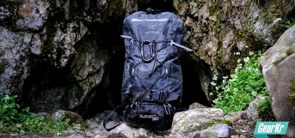 轻量耐候攀登包Arc'teryx Alpha FL 30为什么会成为你的最佳选择?