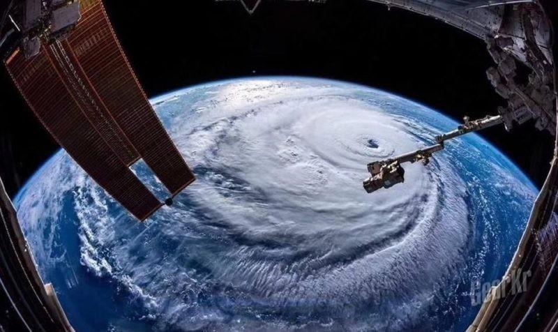 """""""山竹"""" 的食用技术 — 以2018年第22号超强台风""""山竹""""过境聊聊强热带气旋的那些事儿"""