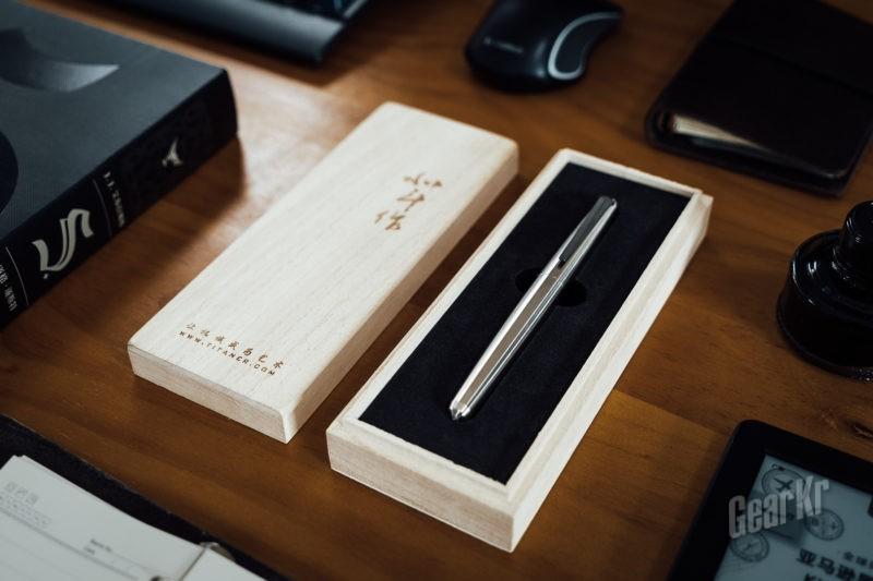 一件精美的工艺品——北斗作钛合金锥甲战术钢笔