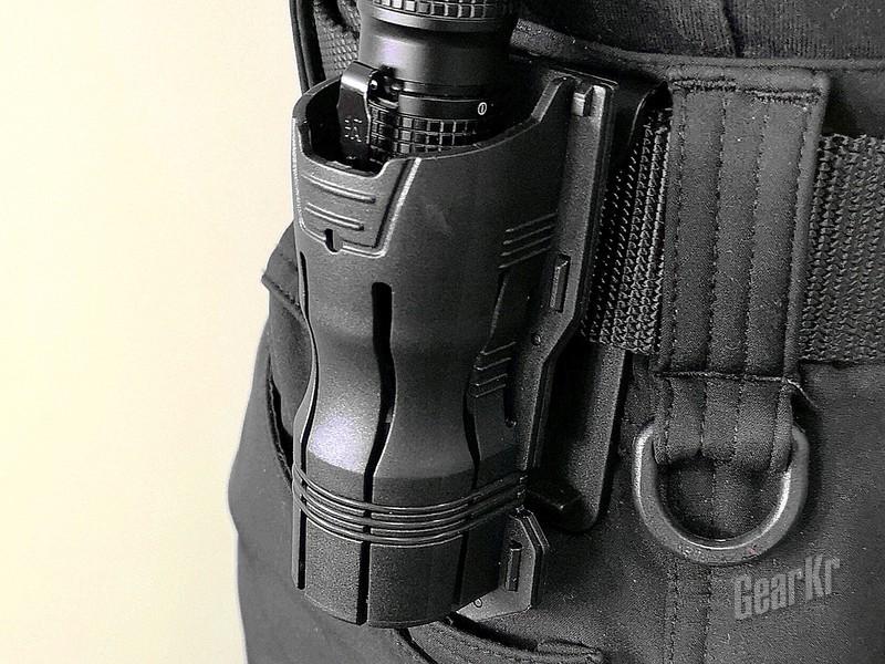 戴上这只套,给你360度的爽滑感受——纳丽德V6快拔电筒套