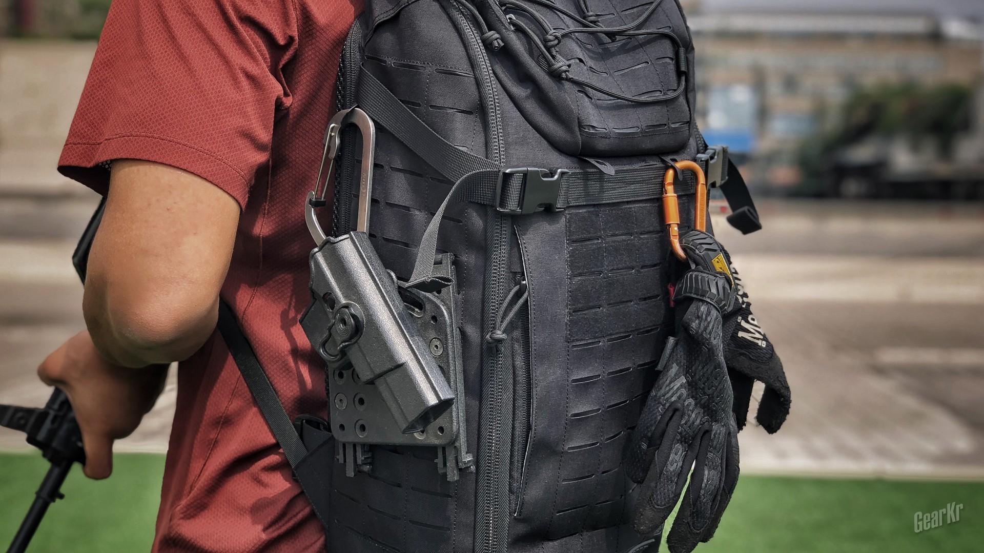 黑又硬的战术包——NITECORE奈特科尔MP25背包测评