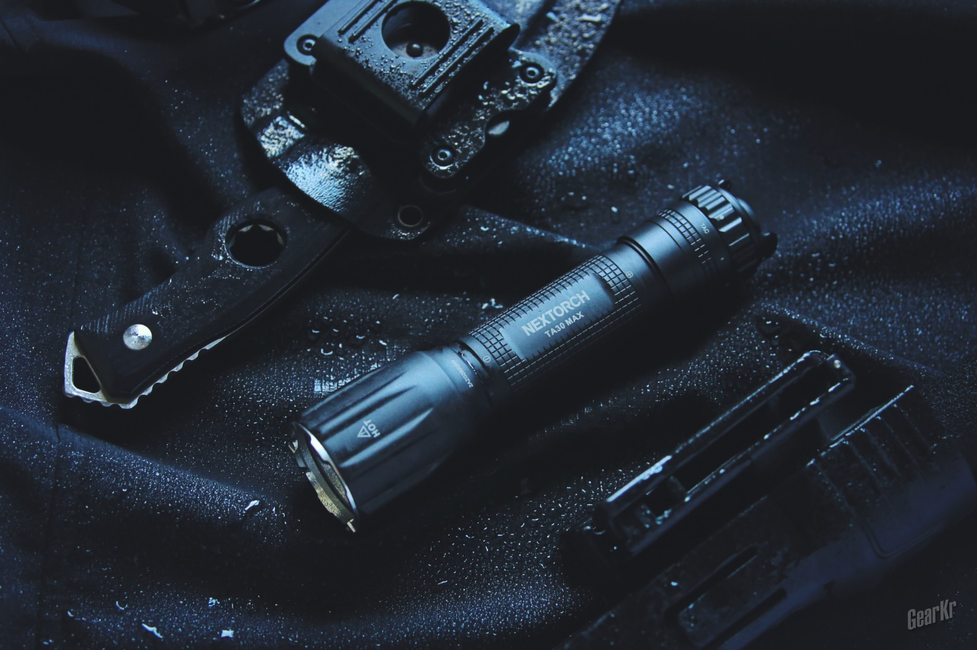 经典持续升级——纳丽德TA30MAX战术手电