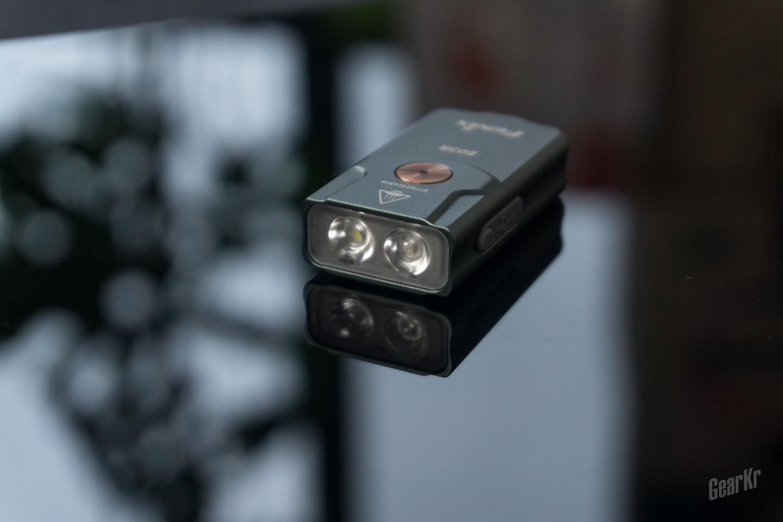 有没有一种手电一直陪着你,Fenix E03R双光源钥匙扣手电