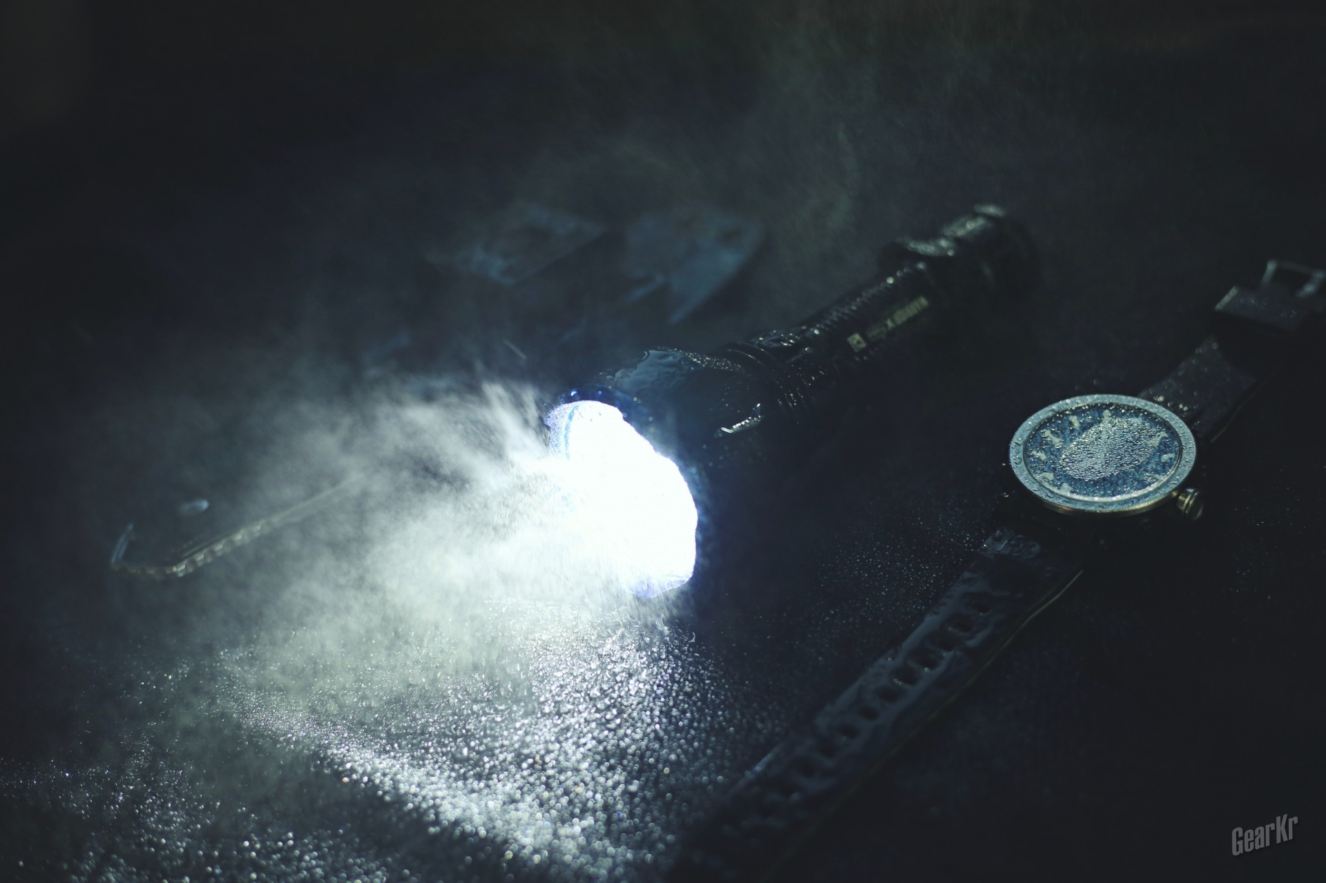 单锂远射千米级战术手电——OLIGHT WARRIOR X Turbo