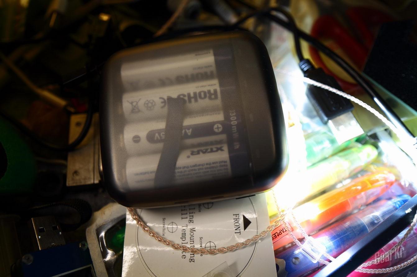 口袋精灵XTAR BC4能换电池的充电宝