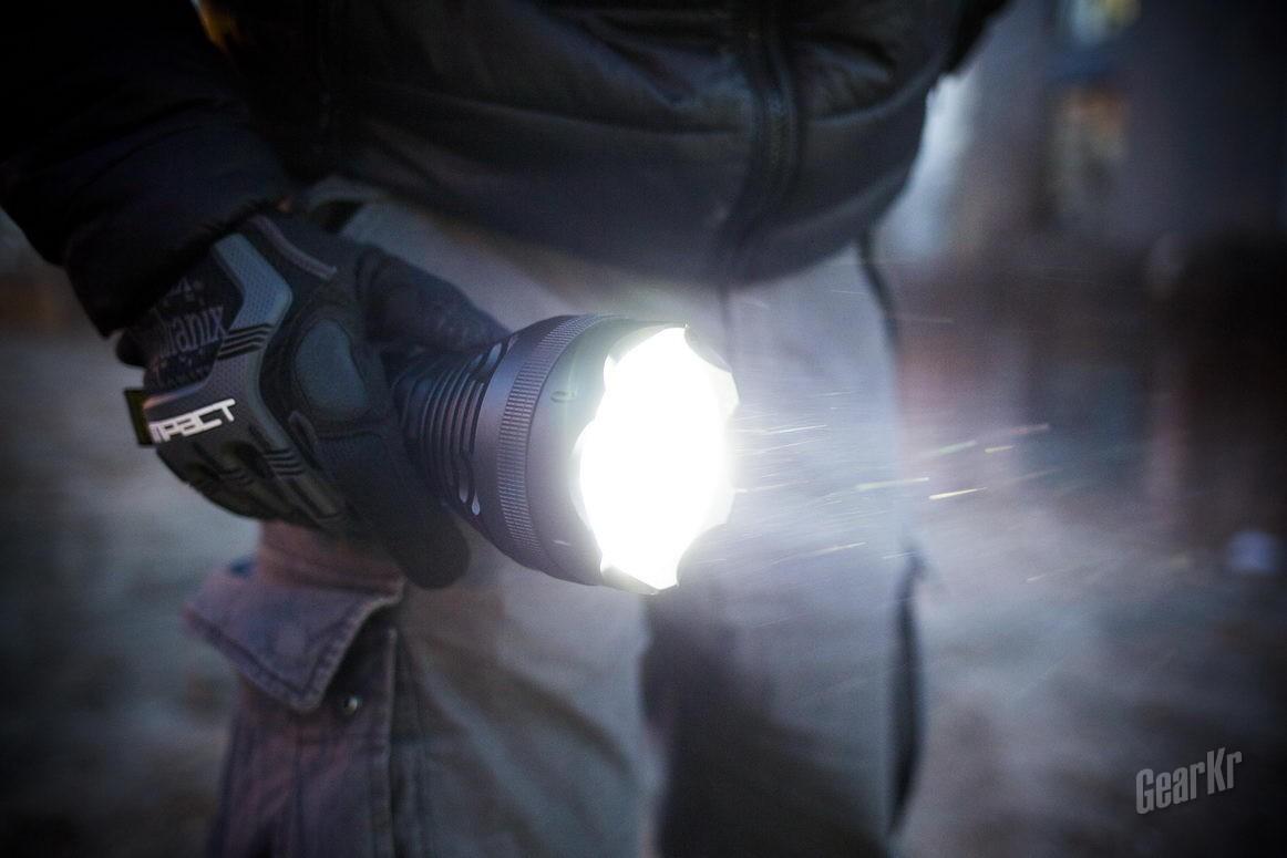 性能怪兽7500流明超级远射 雷明兔SD90评测