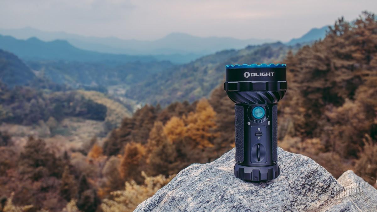 不能做探照灯的远射手电不是一个好的充电宝——Olight Marauder2掠夺者手电评测