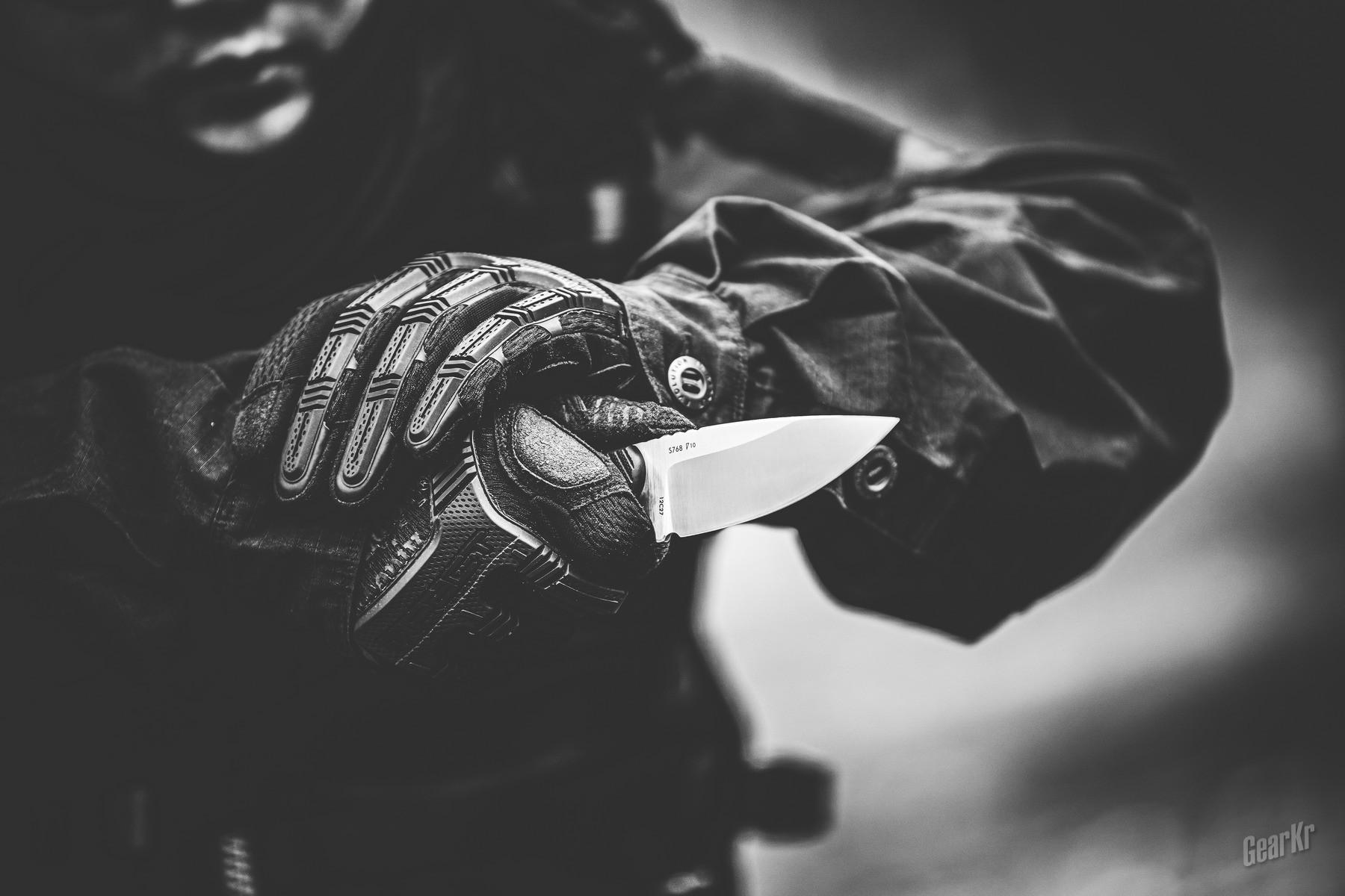 《突袭2》当中的暴力美学,爪刀的前世今生